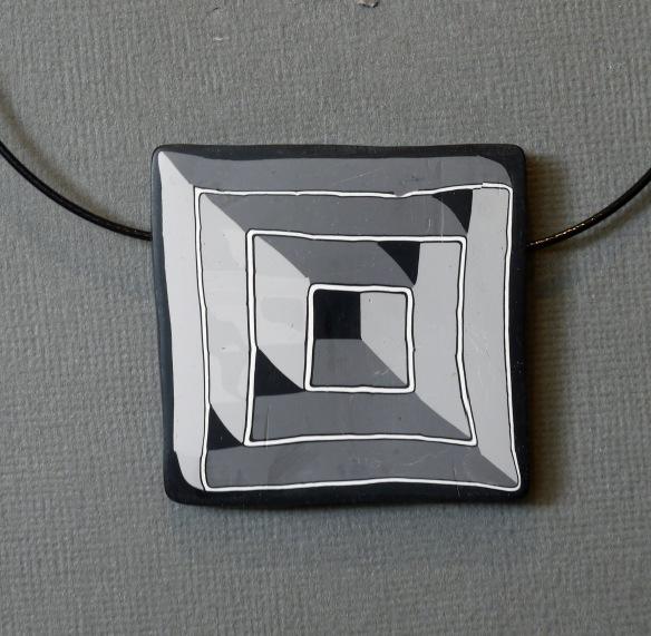 geometric pendant 100520